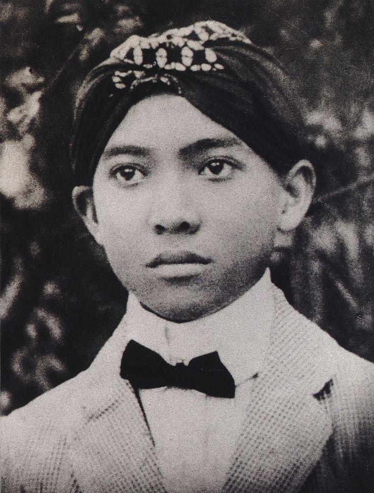 Soekarno as a student of HBS in Surabaya 1916