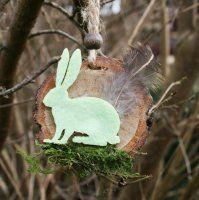 Zwei Baumscheiben-Osterhänger