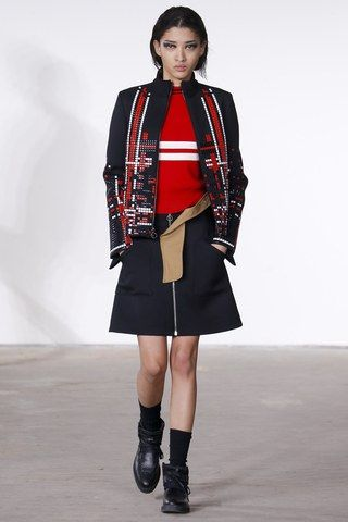See the complete Tim Coppens Fall 2016 Ready-to-Wear collection.