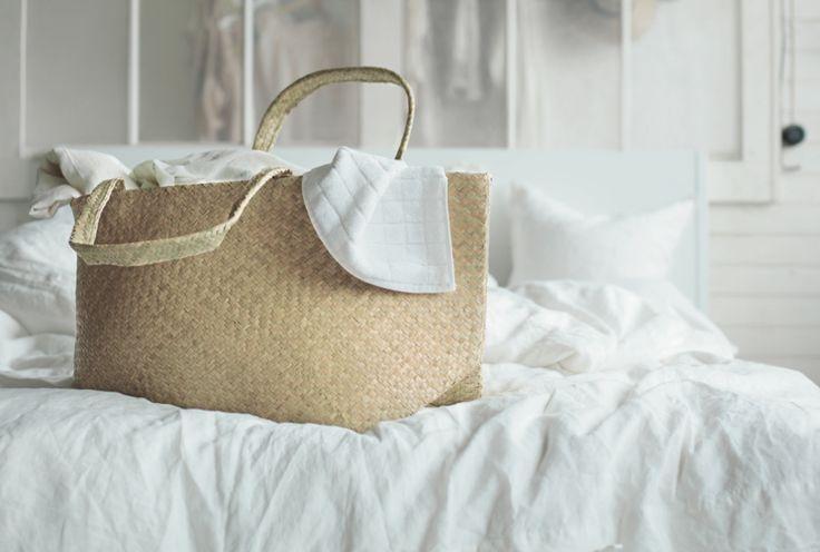 Se questa borsa vi sembra un po' familiare è perché le sue dimensioni sono identiche a quelle dei sacchetti blu venduti nei negozi IKEA di tutto il mondo. Scoprite la sua nuova versione nella collezione NIPPRIG e ricordate: è in edizione limitata: