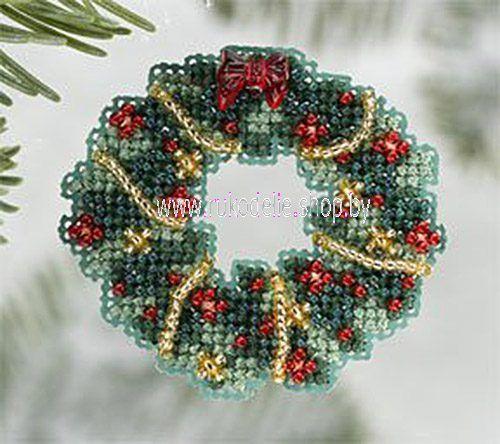 Рождественский венок. Вышивка/ Embroidery. Елочная игрушка, брошь. Набор для вышивки крестиком и бисером Mill Hill. Рождество, Новый год.