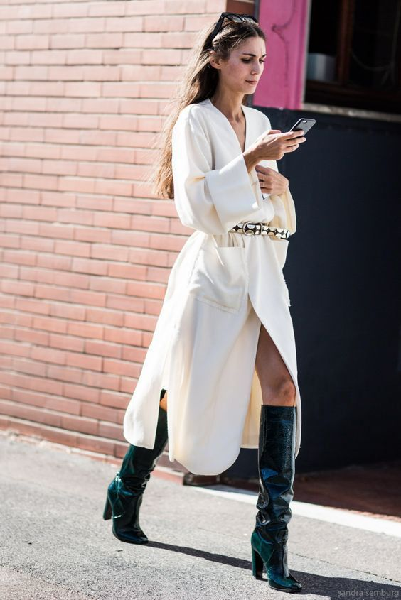 Fall street style / Fashion Week street style#fashion  Curated by @sommerswim