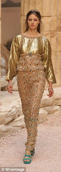 chanel cruise modernity of entiquity | Cool catwalk: The Chanel Cruise 2017/2018 Collection Show proved to be ...