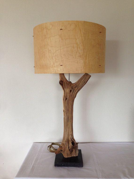 Pi di 25 fantastiche idee su tavolo tronco su pinterest for Tronco albero arredamento