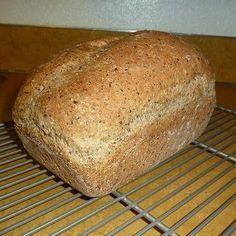 Un pain à la fois santé et léger, contrairement à beaucoup de pains santé qui sont très massifs. Il contient des graines de lin, de la farine de blé et de la farine blanche, une touche d'avoine et une autre de sucre.