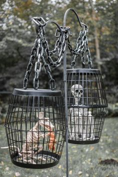 Hanging Cage Halloween Prop | DIY Halloween decor with Dollar store supplies | Easy & budget friendly DIY Halloween prop | Spooky and fun Halloween decor | Upcycled Halloween decor | Dollar Store crafts | TheNavagePatch.com #diyhalloweendecorations