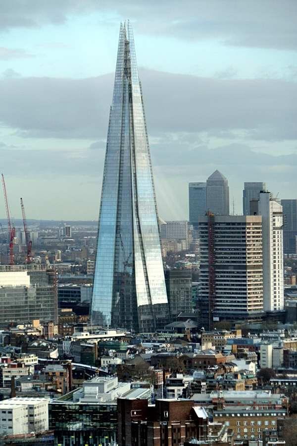 The view Form The Shard. Sube al Rascacielos más alto de Londres y forma parte del skyline de la ciudad. Reserva tu entrada: http://www.weplann.com/londres/visita-shard-edificio?utm_source=pinterest&utm_medium=pin&utm_campaign=producto&utm_content=the-shard&utm_term=WePlann