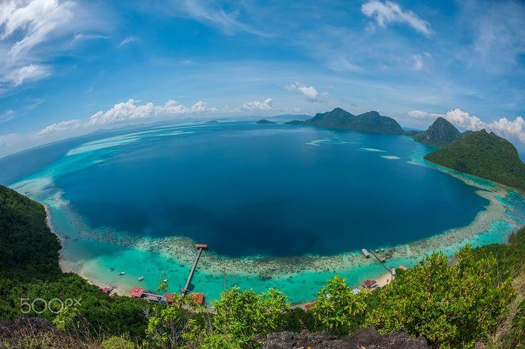 A bird's-eye view at Bohey Dulang peak Tun Sakaran Marine Park in Semporna, Borneo Sabah Malaysia.