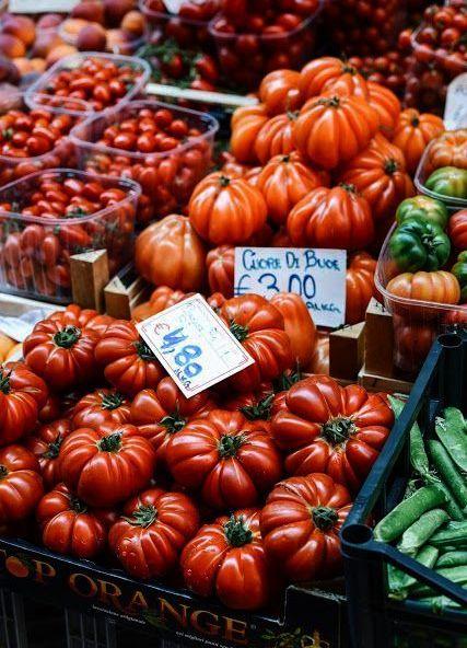 Tomatoes ar the Farmers Market