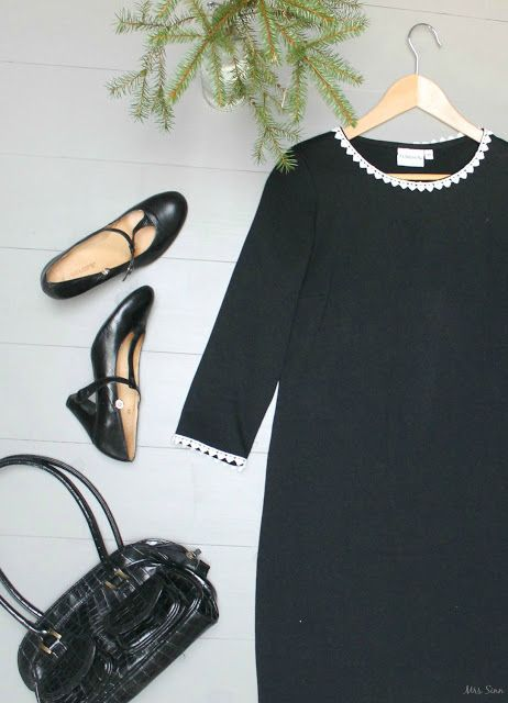 Lumen Dress. Finnish design and made in Portugal. Shoes and bag second hand. Pic by Mrs Sinn Blog.