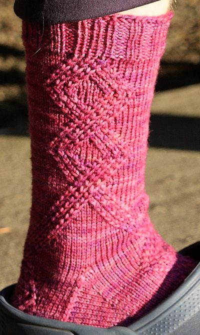 Riff socks: Knitty Deep Fall 2010