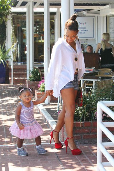 Christina Millian Photo - Christina Millian and Her Daughter Shop in West Hollywood