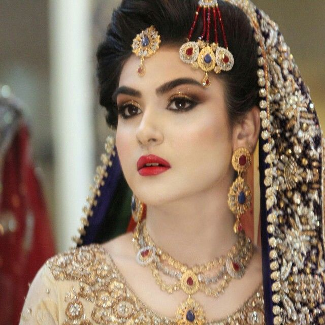 1000+ Ideas About Natasha Salon On Pinterest | Pakistani Pakistani Bridal Makeup And Pakistani ...
