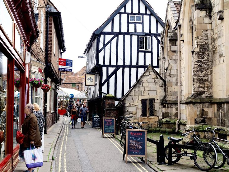 A list of things to do in York, one of the quaintest and most attractive towns in the United Kingdom. Includes restaurant suggestions and pubs, too!