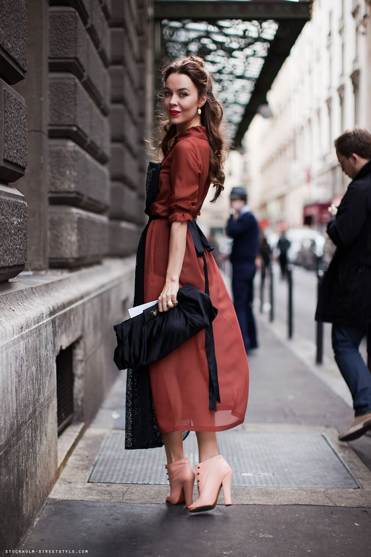 Street Style | Red Dress with Black Details & Nude Pumps | Ulyana Sergeenko | | { Couture /// Runway Every Day 2