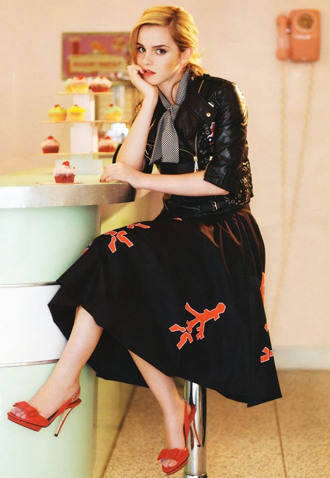 Emma Watson In A Gorgeous Full Midi Skirt And Leather