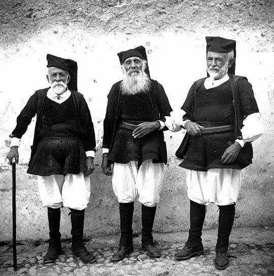 Dorgali 1920. Fieri uomini sardi @