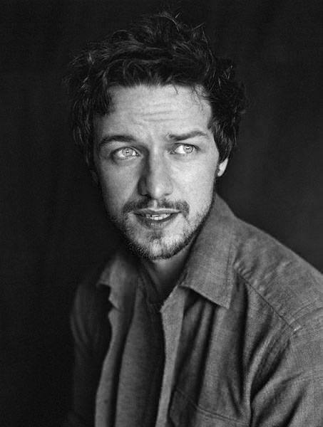 James McAvoy chalres xavier :)