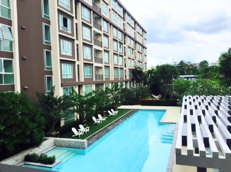 Hua Hin / Cha-am Baan Peang Pleon Hua Hin Khao Takiab Thailand, Asia Located in Khao Takiab, Baan Peang Pleon Hua Hin Khao Takiab is a perfect starting point from which to explore Hua Hin / Cha-am. Both business travelers and tourists can enjoy the hotel's facilities and services. 24-hour security, fireplace, Wi-Fi in public areas, car park, laundry service are there for guest's enjoyment. Guestrooms are designed to provide an optimal level of comfort with welcoming decor and ...