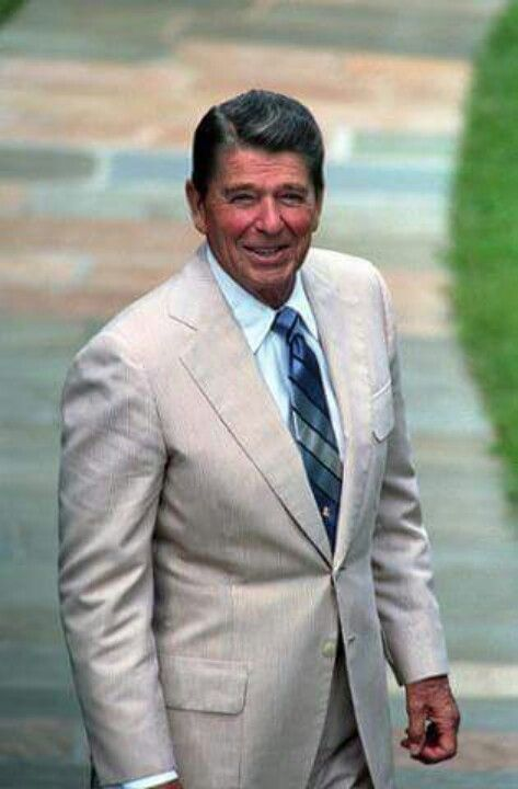 "President Ronald Reagan Now here is a REAL President, not a ""playlike communistic dude"" like the one in our White House now!"