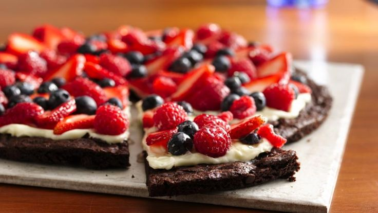 Gluten Free Brownie And Berries Dessert Pizza Recipe!Preparation Time 20 min Total Time 2 hr 40 min Recipe Makes 12 Servings1 box Betty Crocker* Gluten Free Brownie Mix Butter and eggs called for on brownie mix box 1 package (250 g) cream cheese, softened 1/3 cup (75 mL) sugar 1/2 tsp (2 mL) vanilla 2 cups (500 mL) sliced fresh strawberries 1 cup (250 mL) fresh blueberries 1 cup (250 mL) fresh raspberries 1/2 cup (125 mL) apple jellyInstructions 1.Heat oven to 350°F ...