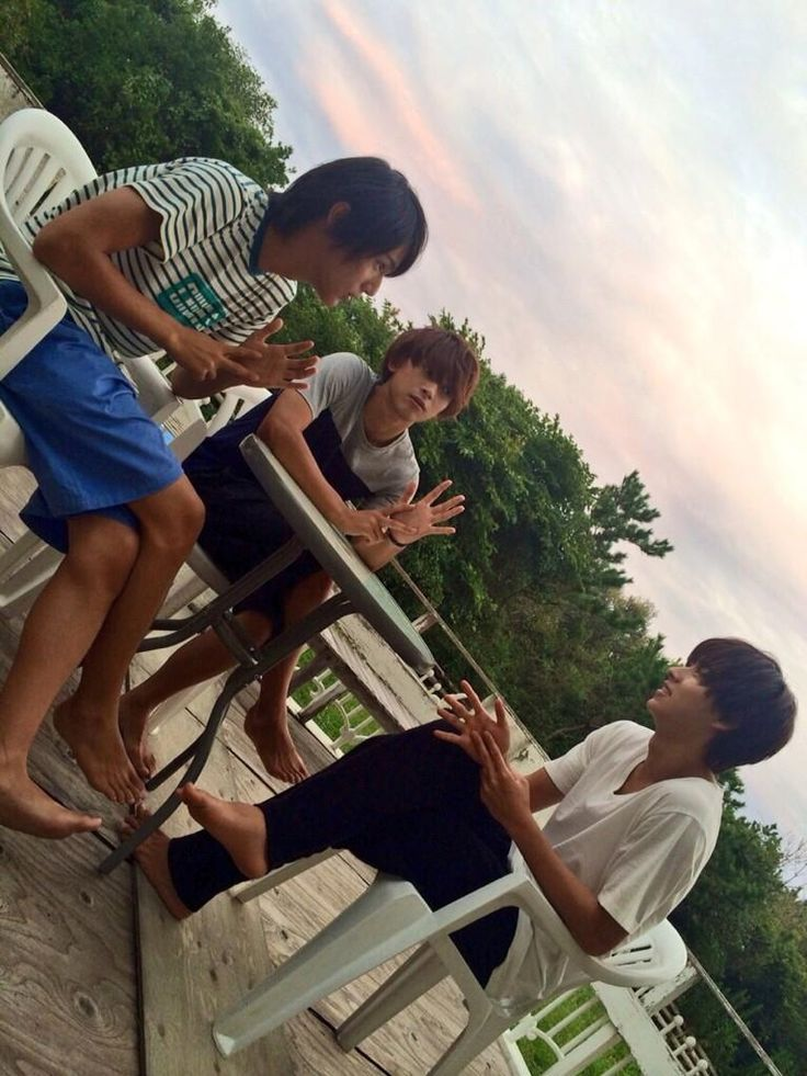 "Taishi Nakagawa, Ryo Yoshizawa n Kento Yamazaki, BTS photo, J drama, sports comedy, ""Suikyu Yankees (Water Polo Yankees)"", 2014. Plot & Ep.1-10: http://dramanice.com/drama/suikyu-yankees-detail [Eng. Sub] So funny n nice drama!!!"