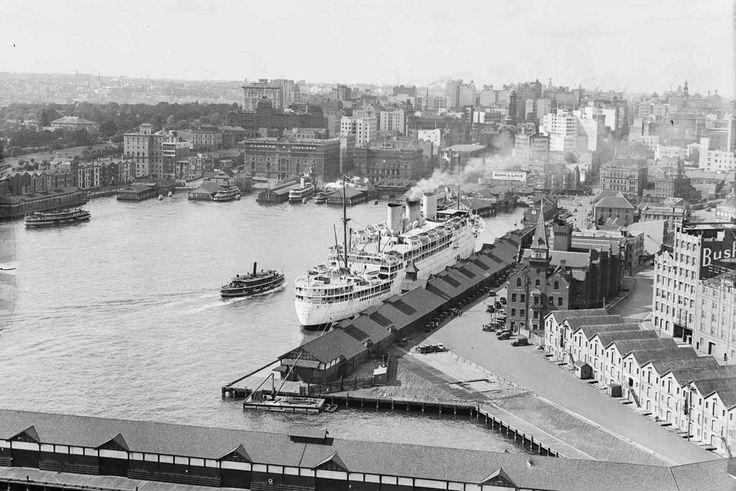 SS Stratheden berthed at Circular Quay, 1950