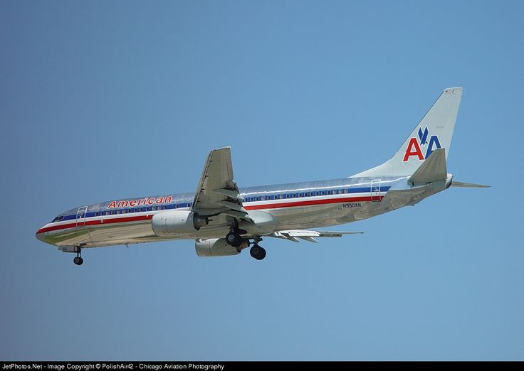 Boeing 737-823, American Airlines, N950AN, cn 30087/704, 154 passengers, first flight 8.11.2000, American Airlines delivered 18.11.2000. Active, for example 6.10.2016 flight Dallas - Tulsa. Foto: Chicago, USA, 1.6.2002.