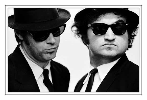 Blues Brothers indossano Ray Ban Puoi trovarli in: Corso Sebastopoli, 151, 10137 Torino, Italia