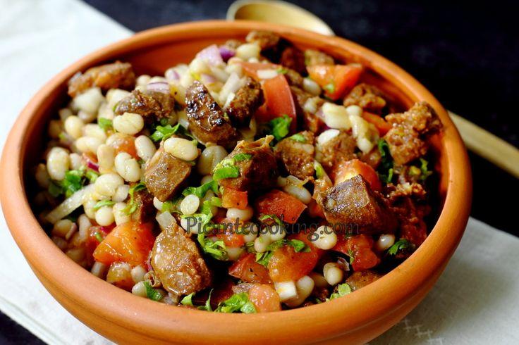 Салат из фасоли с чоризо