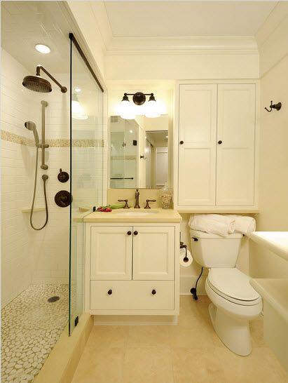 Aprovechando espacio Bajo el lavamanos y sobre la poceta http://www.construyehogar.com/uncategorized/diseno-de-cuarto-de-bano-pequenos-y-medianos-con-ideas-fotos-y-tips/