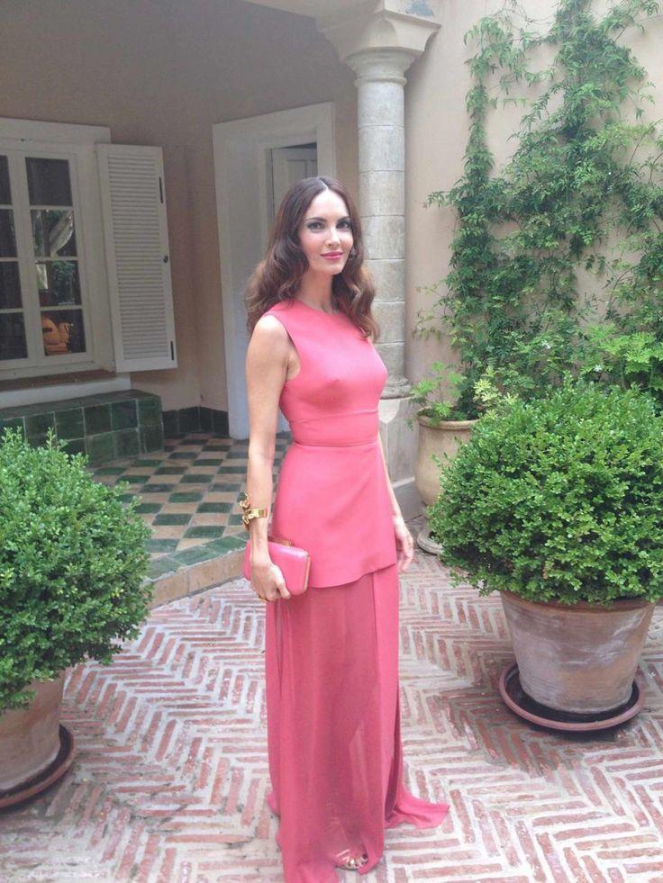 Yo llevaba puesto un vestido de Elie Saab con la cartera a juego y joyas de Rocío Porres para Eustyle, muy ponibles para todo tipo de bodas y eventos. Los zapatos eran de Acqquazurra.