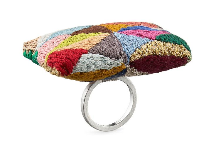 Helen Clara Hemsley. Ring: You remind me of somebody that I used to know, 2015. Embroidery fabric, embroidery thread in silk and polyester, synthetic stuffing, 925 silver Wedding ring. 6 X 5 X 3 cm Photo by: James Bates Photography