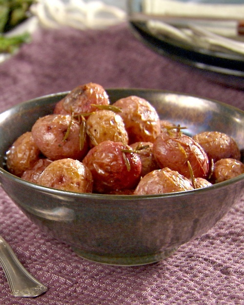 OVEN-ROASTED ROSEMARY POTATOES *Red potatoes. *New potatoes ...