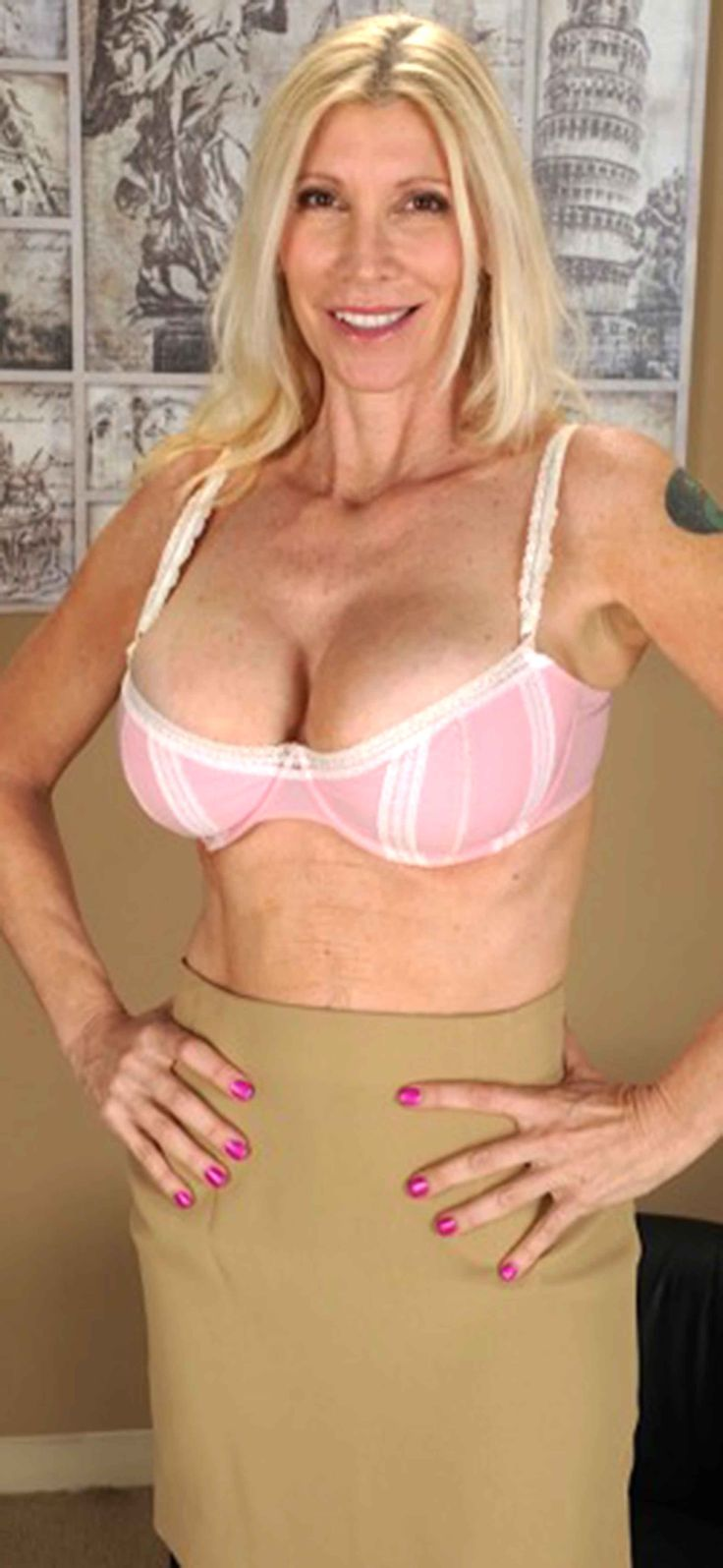 susan milf women Awesome archive of famous classic big boobs videos, old-time pornstars big boobs retro porn movies.