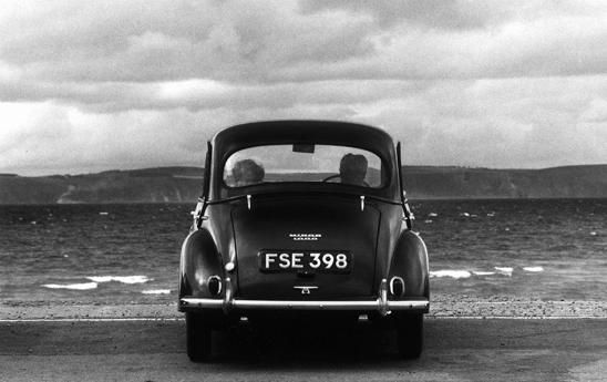 Gianni Berengo Gardin - Didn't I see this car in a picture from Elliott Erwitt?