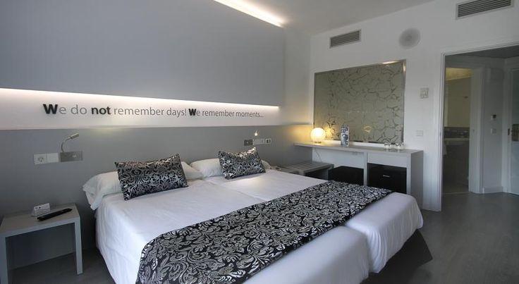 Rooms from NOK1,549 per night  PRIS: 10800 -> 5400