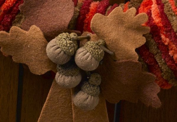 A beautiful Fall Yarn Wreath you can make in an afternoon   Crafts ...