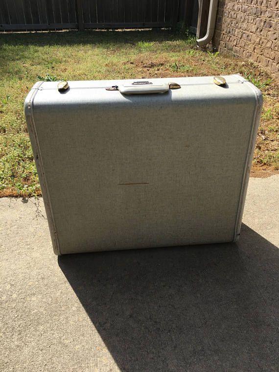 Vintage Samsonite large suitcase. vintage Samsonite luggage