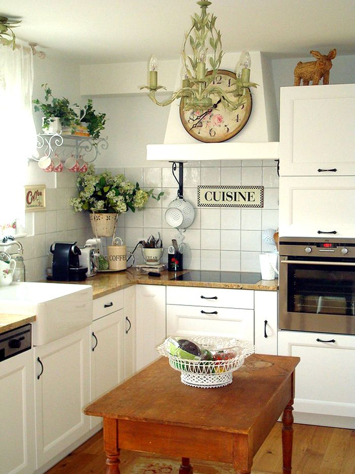 Staple Pieces for the Modern Farmhouse Kitchen | Second Shout Out