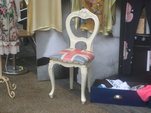 Thrift Shop+Fabric=Cute Dorm