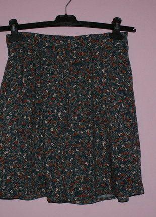 Kup mój przedmiot na #vintedpl http://www.vinted.pl/damska-odziez/spodnice/16538009-rozkloszowana-zwiewna-spodniczka-z-kwiatowym-motywem
