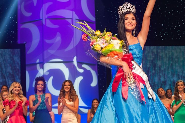 Miss Missouri Teen USA Sophia Dominguez-Heithoff Crowned Miss Teen USA 2017    Click here to read the report and view the photo galleries ....