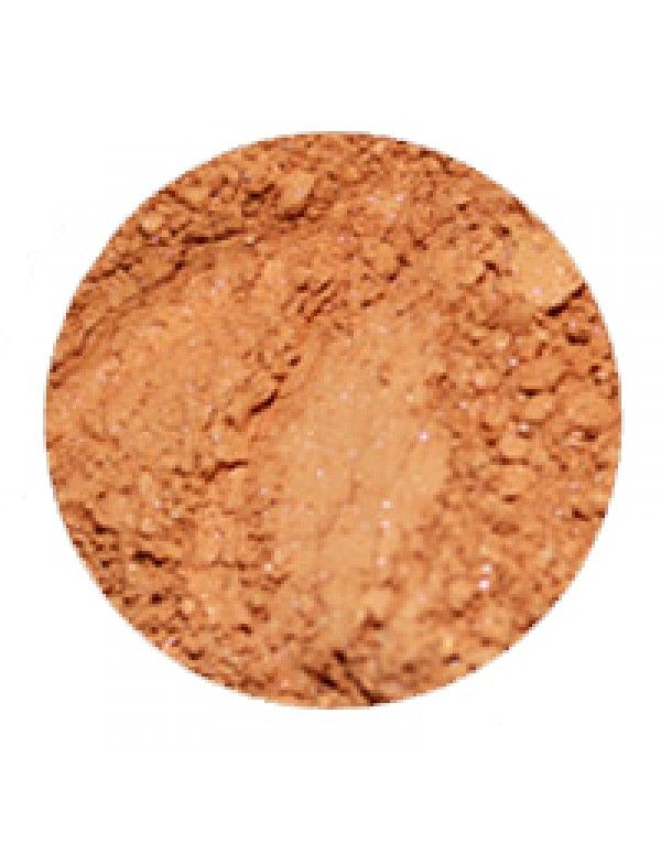 Erth Bronzed Bronzer gir en medium solbrun farge med guloransje toner og litt skimmer. Solpudderet kan blandes med en av våre naturlige hudk...