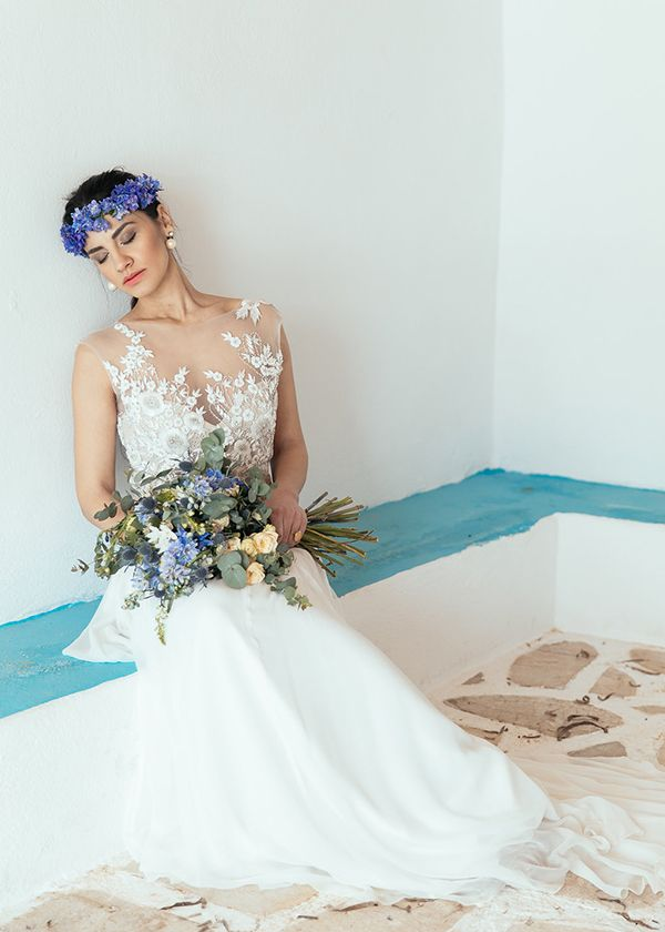White and blue wedding inspiration in Antiparos - Love4Weddings