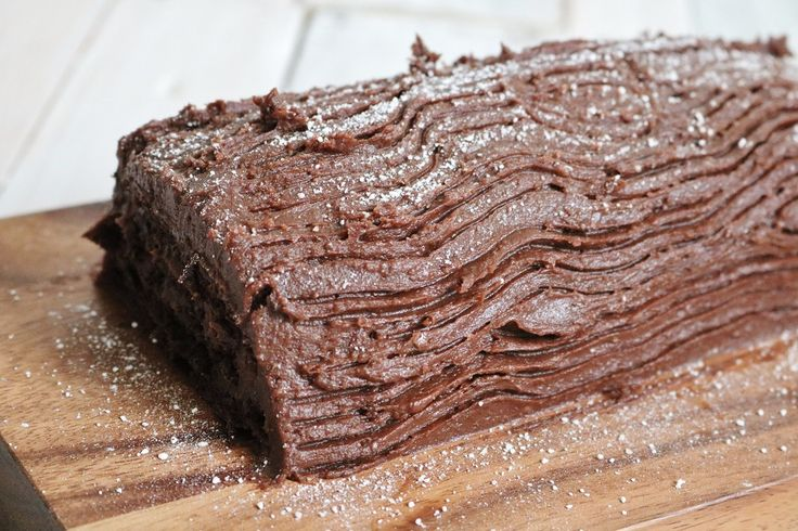 Easy yule log recipe | Christmas log recipe | Christmas cake recipe | How to make a chocolate roulade