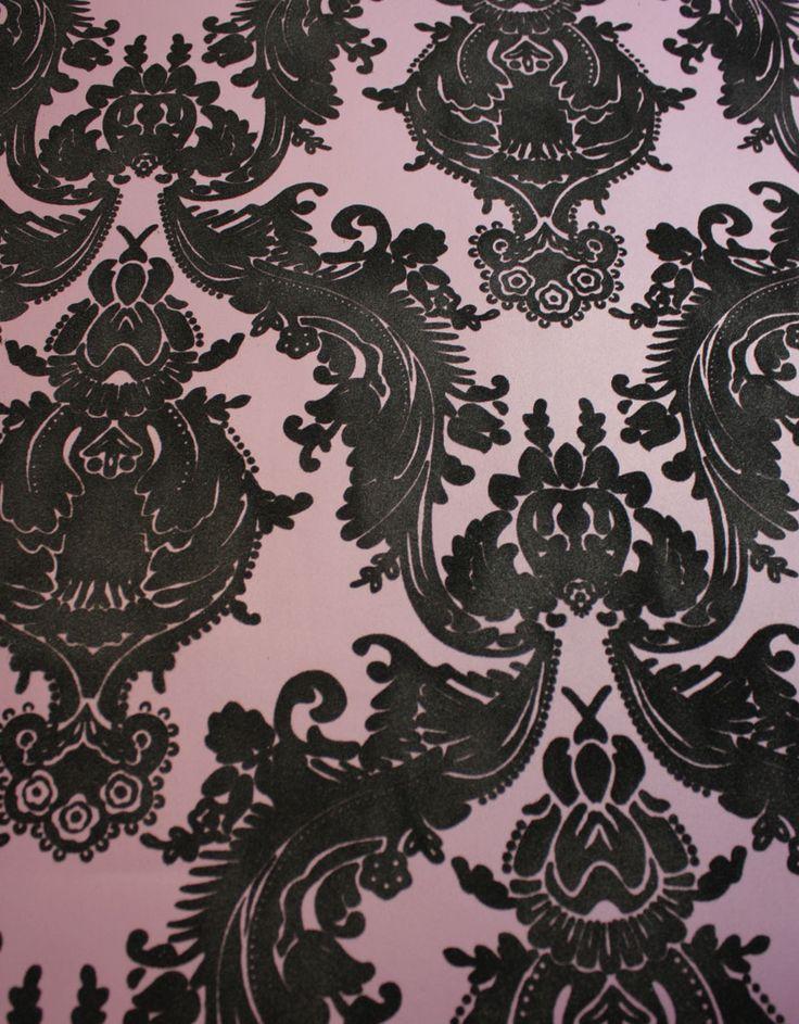 Plush Flocked Wallpaper Heirloom Damask Plum/Black Velvet