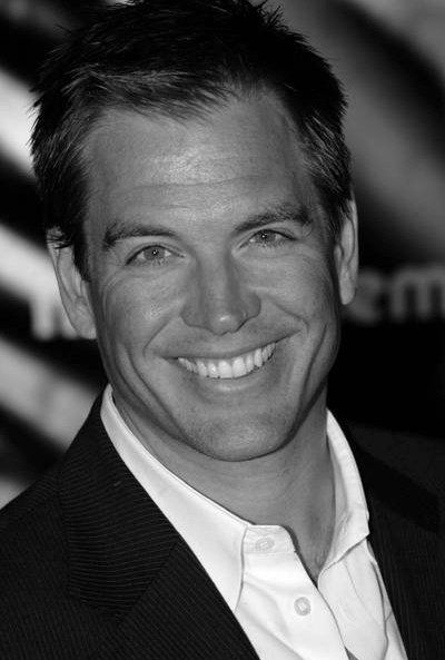 This is one sexy man. Favorite NCIS cast member.