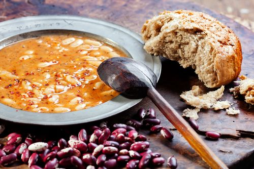 Here's another yummy idea when trying to lose weight, White Bean Chili. This soup uses whole food ingredients, and one serving is under 150 calories.