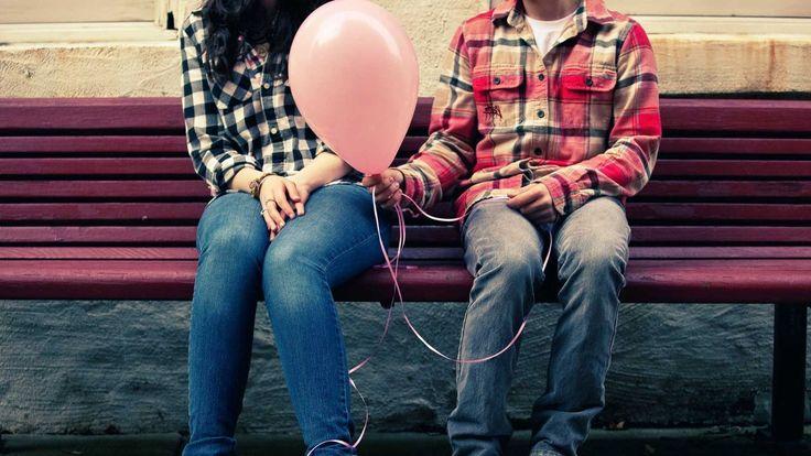 Марк Дрисколл с юмором отвечает на острые вопросы о свиданиях, поиске супруга, ухаживаниях, отношениях до брака...